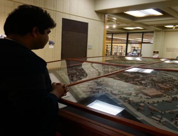 exhibit gallery square